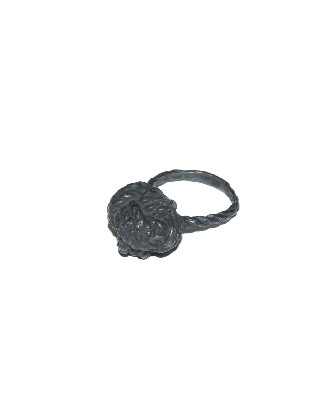 Willemijn de Greef, Touw (Rope), 2010, ring; silver, H 35 mm, €150