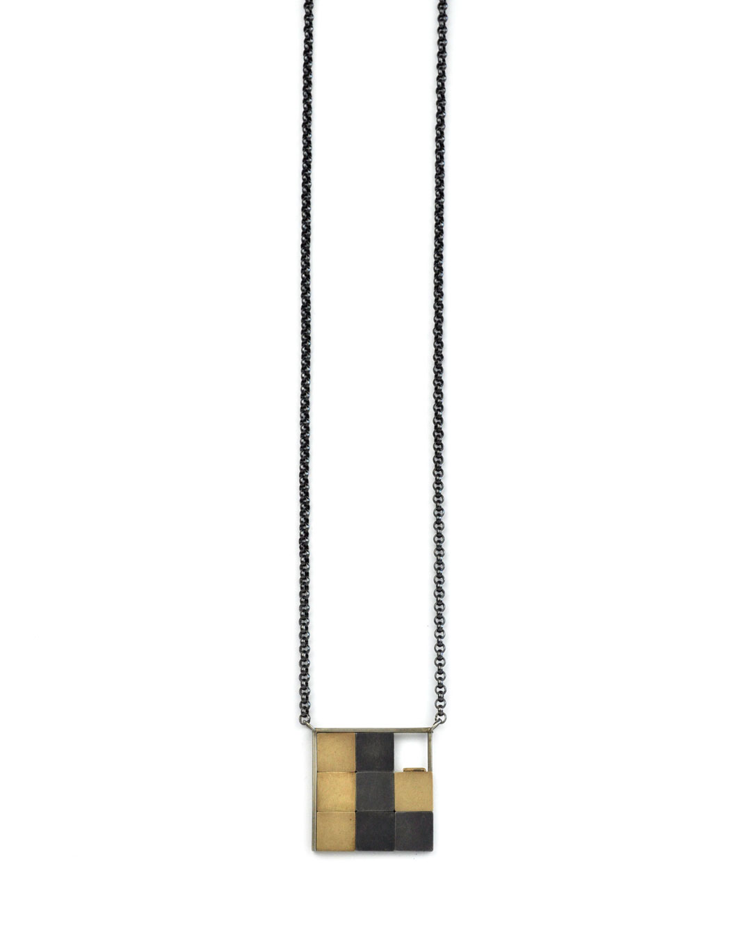Herman Hermsen, Expensive Game, 1995, pendant; 18ct white gold, 18ct yellow gold, silver, 440 x 100 x 3 mm, €3650