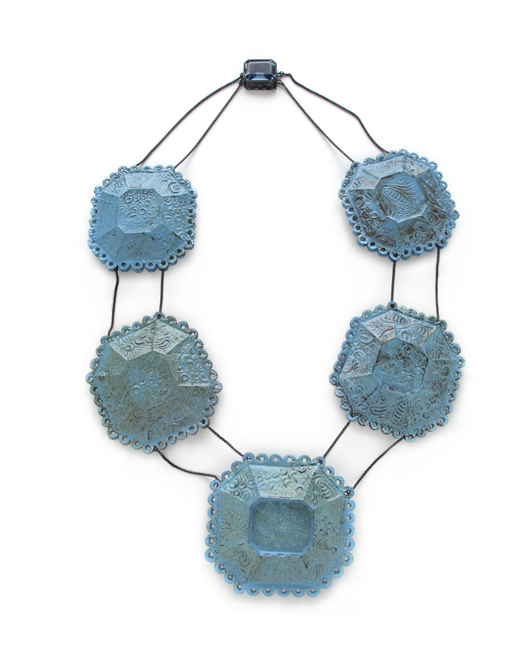 Vera Siemund, untitled, 2005, necklace; enamel, copper, synthetic spinel, H 300 mm, €4370