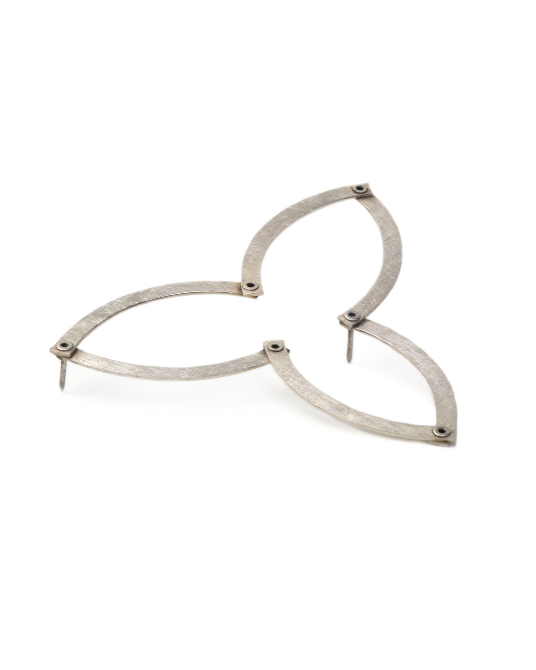 Karola Torkos, Bloom, 2006/2007, brooch; silver, 67 x 67 x 1 mm, €390