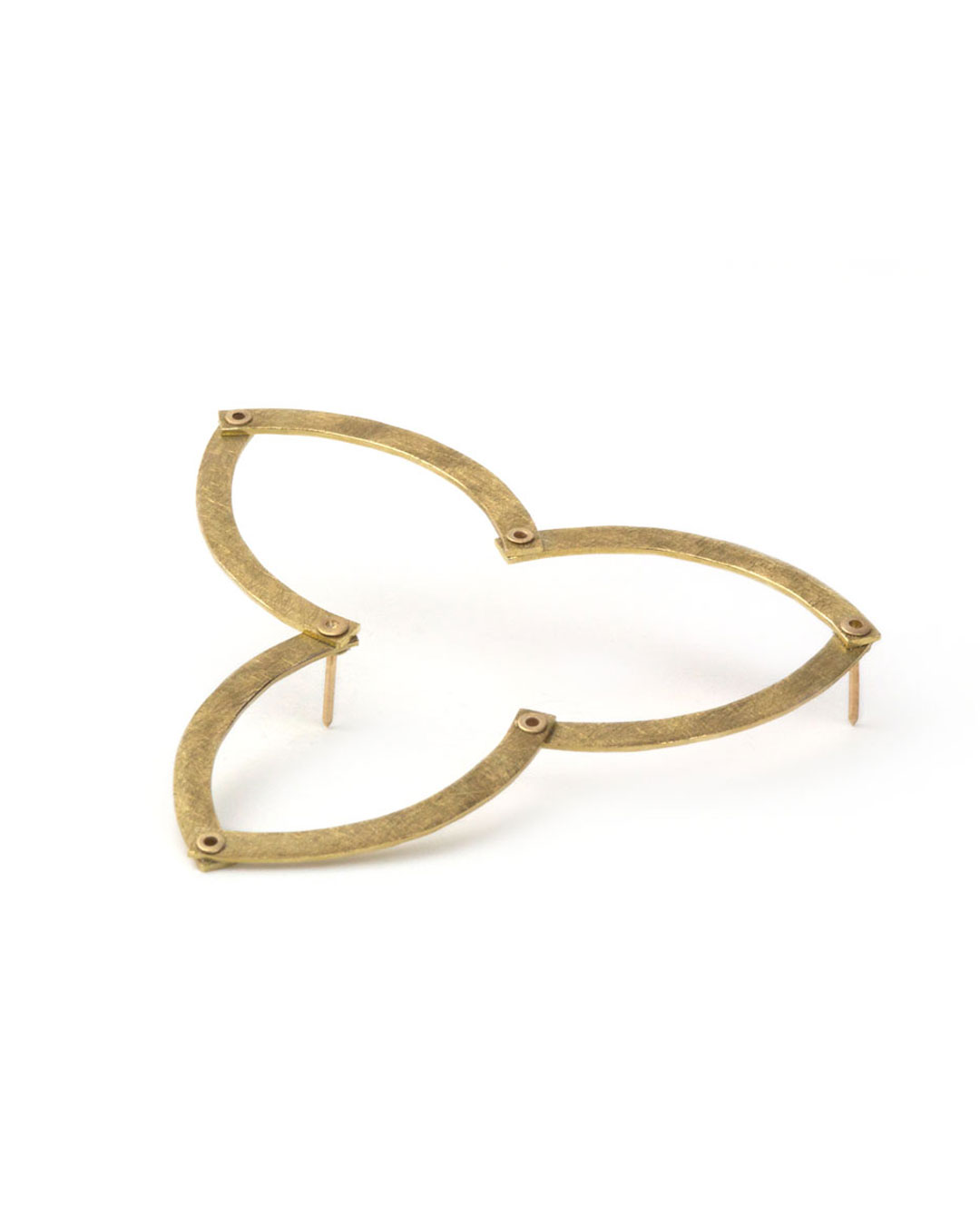 Karola Torkos, Bloom, 2006/2007, brooch; 9ct gold, 60 x 60 x 1 mm, €550