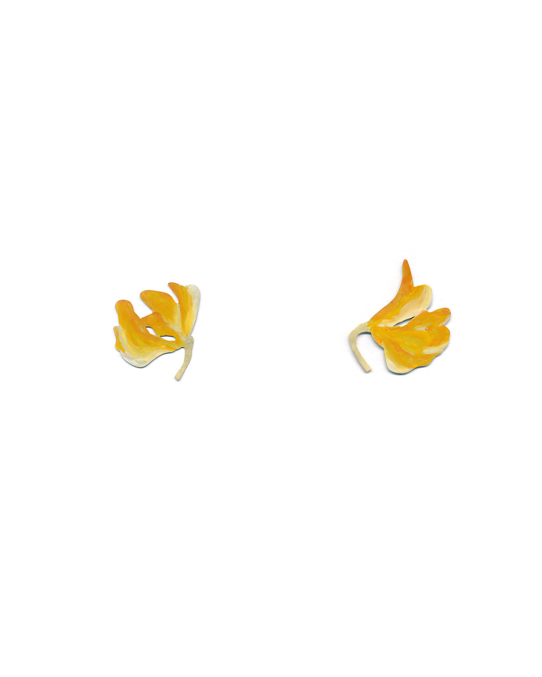 Christopher Thompson Royds, Natura Morta: Meadow Vetch, 2016, stud earrings; 18ct gold, hand-painted, 20 x 21 mm, €750