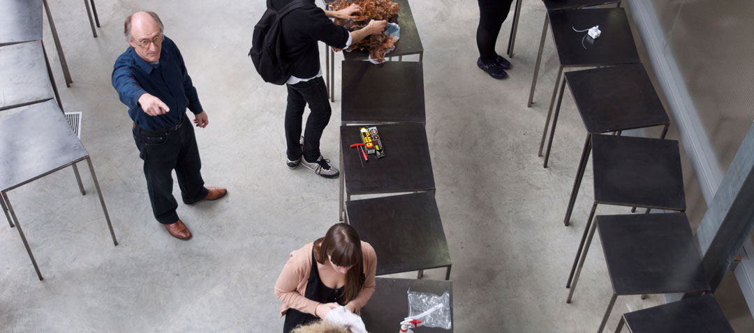 2011 - Royal College of Art GSM&J Effe Kijken / Let's Have a Look - Give and Take