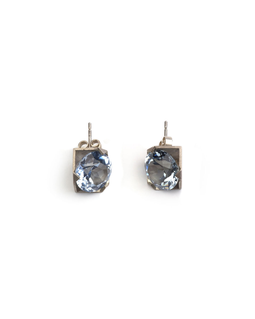 Herman Hermsen, untitled, 2020, earrings; silver, synthetic stone, 20 x 10 x 10 mm, €425