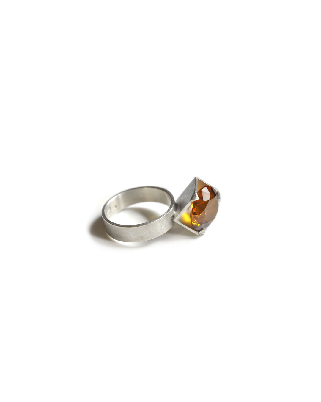 Herman Hermsen, untitled, 1998, ring; silver, synthetic stone, 32 x 14 x 13 mm, €305