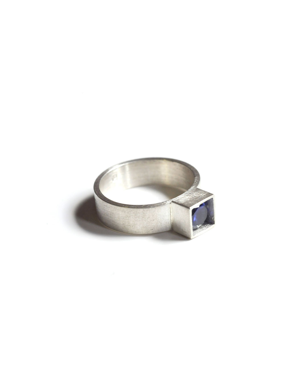 Herman Hermsen, untitled, 2005, ring; silver, synthetic stone, 23 x 19 x 5 mm, €190