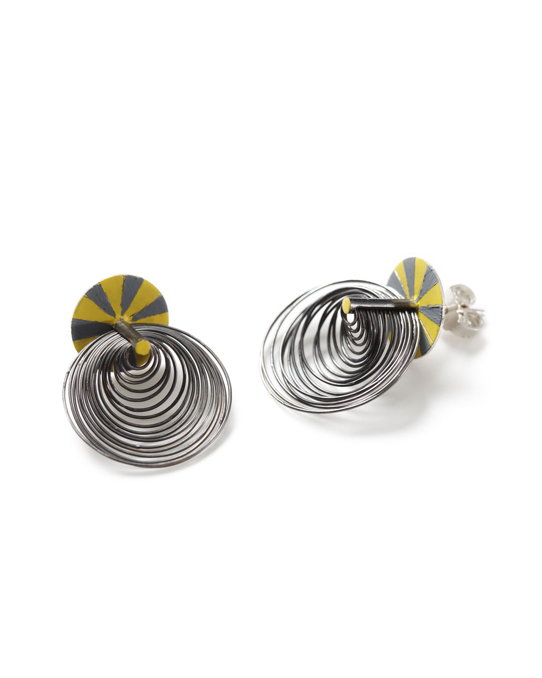 Julie Mollenhauer, untitled, 2012, earrings; silver, lacquer, 25 x 20 x 11 mm, €1000