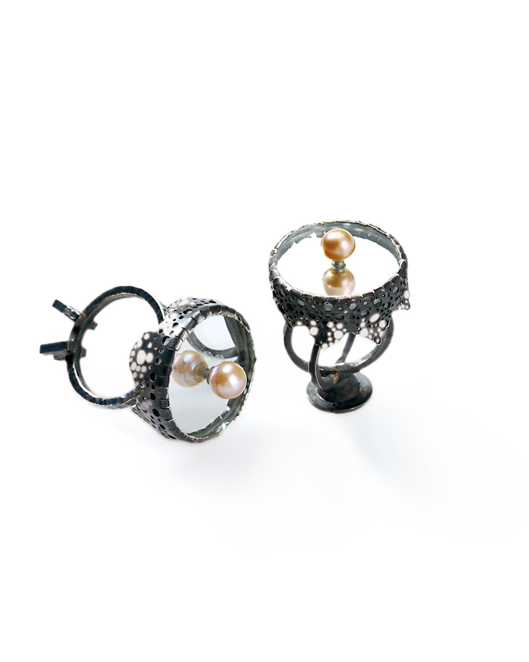 Ulrich Reithofer, Tea Table I-IV, 2009, ring; silver, freshwater pearl, oxide, mirror glass, 43 x 28 x 28 mm, €570 each