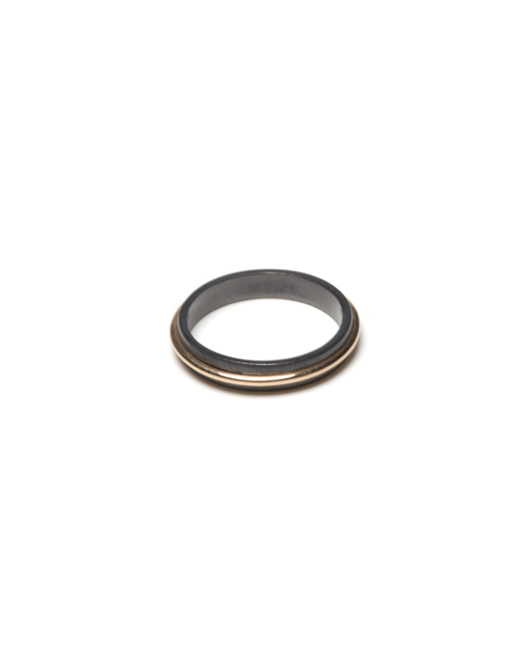 Coen Mulder, untitled, 2019, ring; gold, tantalum, price on request