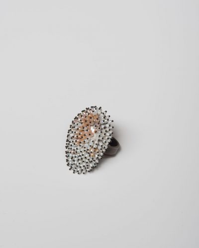 Sam Tho Duong, Look, 2020, ring; silver, freshwater pearls, nylon, €1360